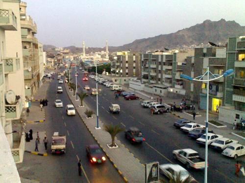 عيد الحب في عدن.. مناسبة انحسرت ولكن لابد من الاحتفال بها