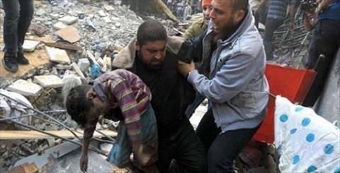 كاتب بريطاني شهير يتساءل: ماذا لو قُتل 35 فلسطينيا مقابل 800 اسرائيلي؟!