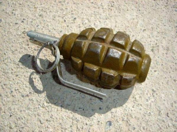 مقتل شخص وإصابة آخر في انفجار قنبلة يدوية بأمانة العاصمة