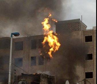 إخماد حريق في إحدى العمارات وسط العاصمة صنعاء