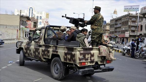 """صنعاء.. المليشيات الحوثية تحتجز منزل الصحفي """"رشيد الحداد"""""""
