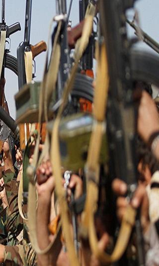عصابة الحوثي تخطط لنزع سلاح القبائل