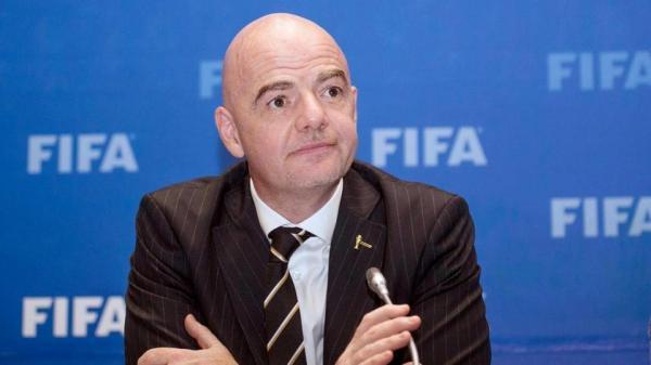 رئيس الفيفا: قطر لا تستطيع تنظيم مونديال 2022 بمفردها