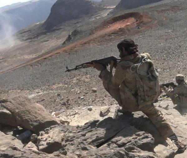 الجيش يستعيد 4 مواقع شرق اليمن