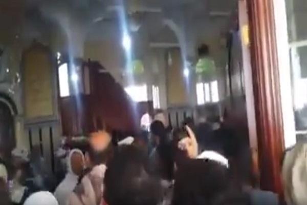 فيديو- طرد إمامٍ حوثي من جامع في العاصمة صنعاء