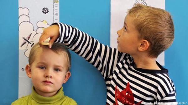 دراسة: قصر القامة في الصغر قد يزيد احتمال الإصابة بالسكتة في الكبر
