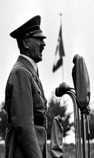 """هتلر كان سيحرق أمريكا بـ""""سلاح فضائي ضخم"""""""