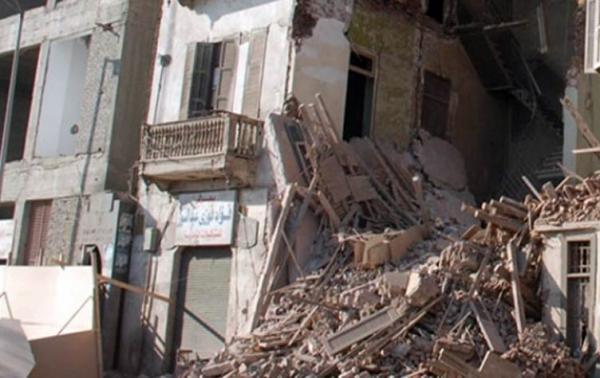 مقتل 10 على الأقل في انهيار عقار بمنطقة عشوائية في القاهرة