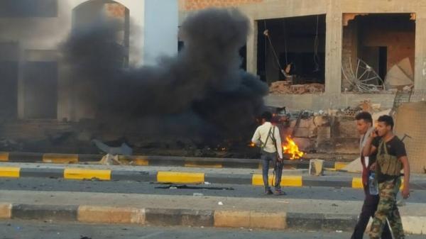 قتلى وجرحى بهجوم إرهابي استهدف مقر مكافحة الإرهاب بعدن (صور)