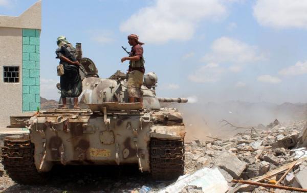 مصرع 16 حوثياً والقوات الحكومية تؤمن مواقع بتعز