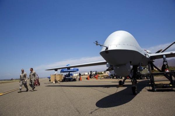 الضربات الأمريكية في المكلا استهدفت «أطلال» معسكرات!