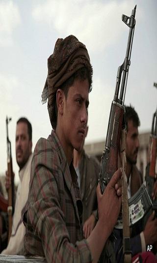 مليشيا الحوثي تنقل السجناء من إدارة البحث إلى سجون سرية وتداهم منازل بالعاصمة صنعاء