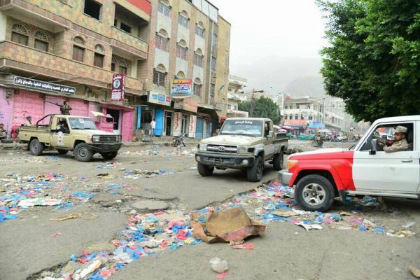 إصابة امرأة وطفل باشتباكات مسلحة في مدينة تعز