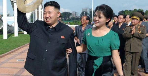 """دور جديد لزوجة الزعيم الكوري الشمالي مع منحها لقب """"السيدة الاولى"""""""