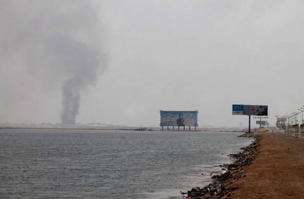 العدوان على اليمن.. الغارات السعودية تستهدف ميناء &#34ميدي&#34 على البحر الأحمر