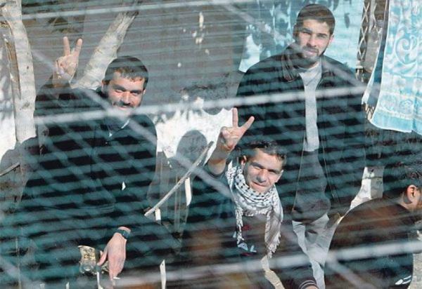 مسؤول فلسطيني: 1500 معتقل فلسطيني يواصلون إضرابهم عن الطعام لليوم الثامن