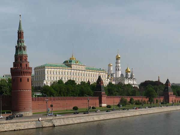 موسكو: ندعو إلى طرح مبادرة فورية لتحسين الوضع الإنساني باليمن