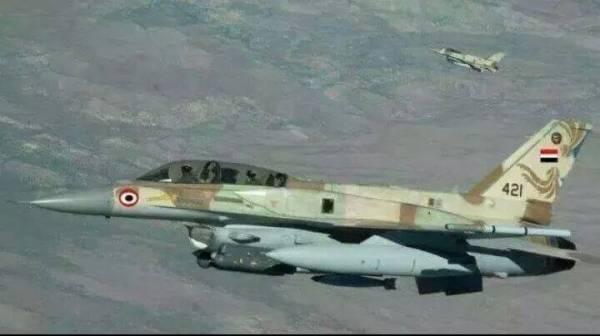 العدوان على اليمن.. الطيران السعودي يقصف منطقة العقبة بين محافظتي البيضاء وأبين