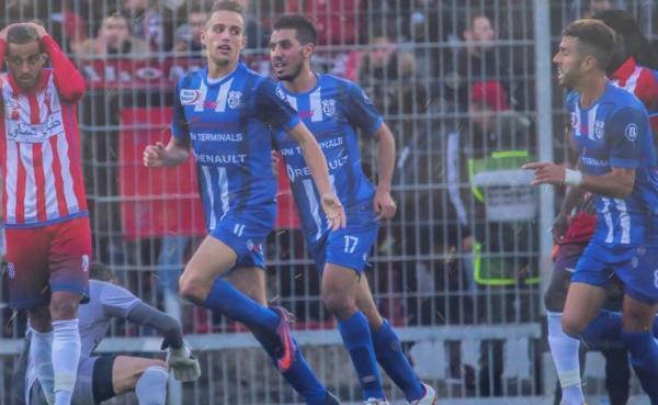 اتحاد طنجة يتوج بلقب الدوري المغربي لأول مرة في تاريخه
