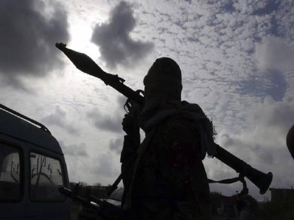 ما وراء الاستهداف السعودي للسجون في اليمن.. تكرار تجربة وطريق للتدخل البري (تقرير)