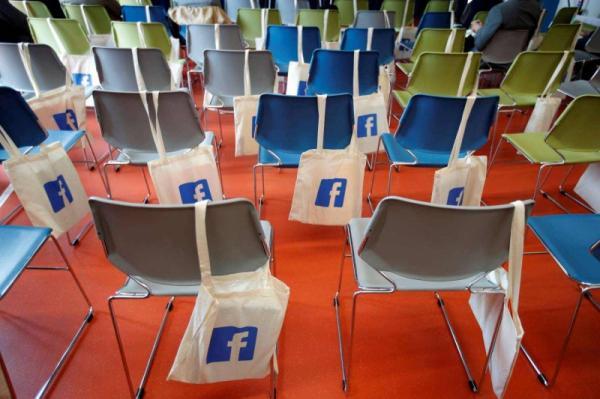 فيسبوك يعترف: 583 مليون حساب مزيف على الموقع