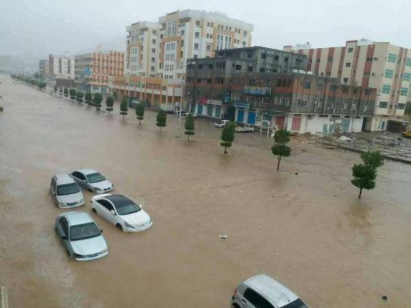 تحذيرات من احتمالية وصول اعصار جديد للسواحل اليمنية