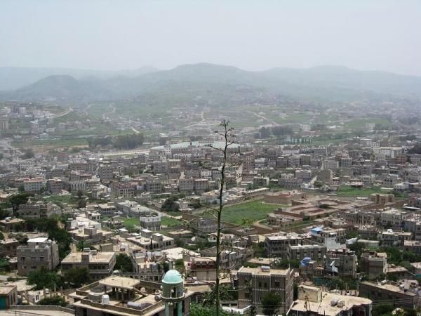 صراع حوثي محموم للاستيلاء على أراضي المواطنين في إب