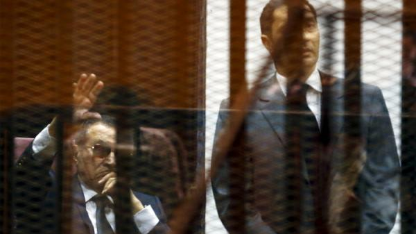 مبارك يفشل في استرجاع أسهمه