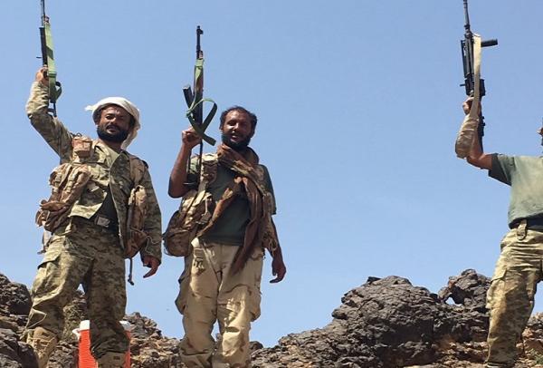 القوات المشتركة تخترق دفاعات المليشيا وتقطع الطريق الرابط بين زبيد والتحيتا بالساحل الغربي