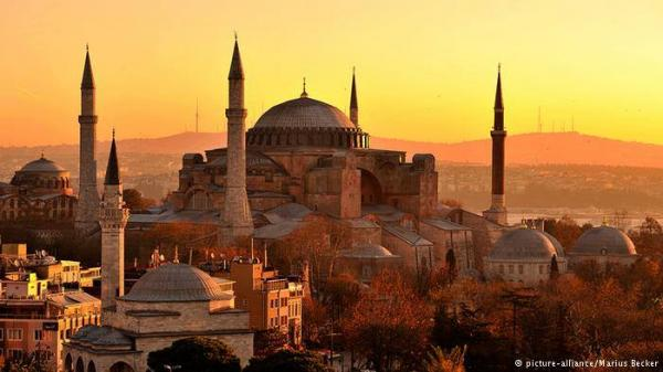 سجال حول رفع الأذان من آيا صوفيا في شهر رمضان