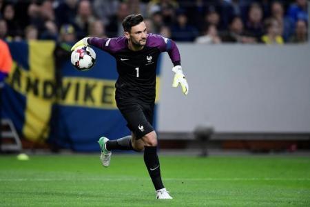 خطأ لوريس يمنح الفوز للسويد على حساب فرنسا في تصفيات كأس العالم