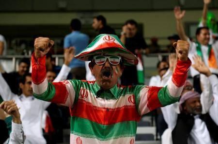 ايران تهزم اوزبكستان 2-صفر لتتأهل لكأس العالم