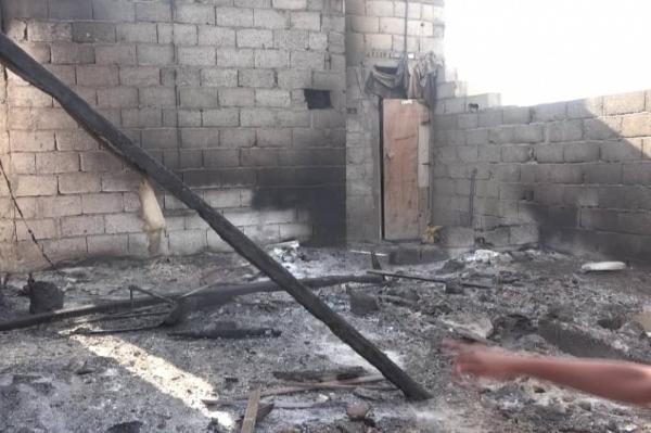 مليشيا الحوثي تقصف الأحياء السكنية داخل مدينة الحديدة بـ23 قذيفة هاون وهوتزر وصاروخ موجه