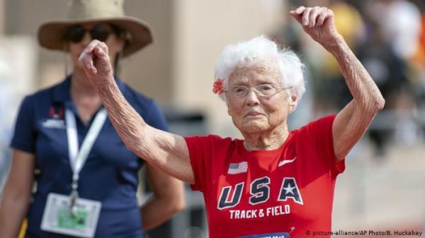 معمرة عمرها 103 سنة تفوز بذهبية سباق 100 متر!
