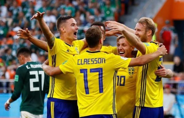 السويد تسحق المكسيك وتصعدان سويا لدور 16 في كأس العالم