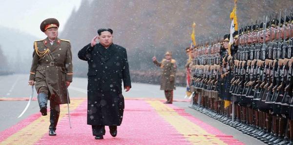 كيم جونغ: الصاروخ &#34هدية للأوغاد الأمريكيين&#34