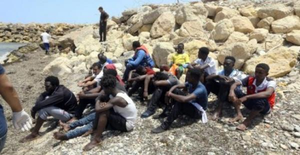 ليبيا: ثمانية مهاجرين بينهم ستة أطفال قضوا اختناقا داخل شاحنة تبريد