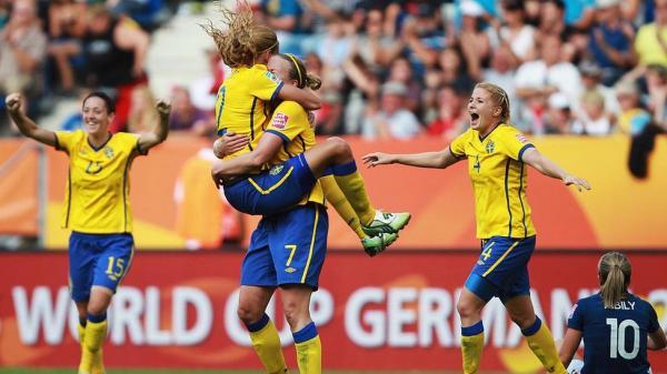 السويد تهزم روسيا في بطولة أوروبا للسيدات
