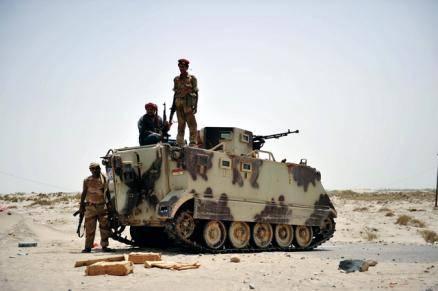 مصدر عسكري: قائد (اللواء 14مدرع) يأمر جنوده بالقتال إلى جانب القاعدة ضد الجيش ويعد بعلاوة 2000 ريال سعودي