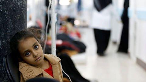 الغارديان: السعودية السبب الرئيس في تفشي الكوليرا في اليمن