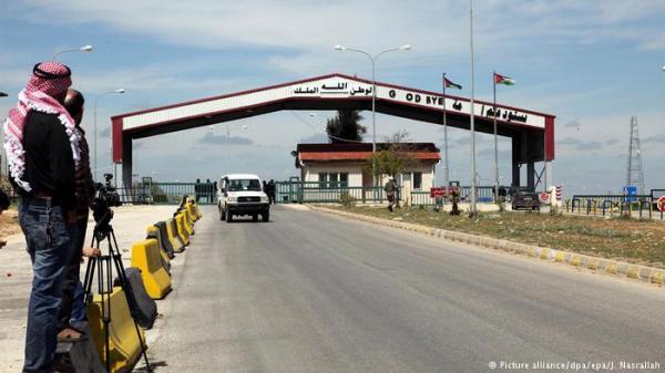 سوريا: قتلى وعشرات الجرحى بتفجير انتحاري قرب الحدود الأردنية