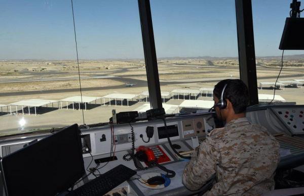 باليستي يمني يضرب قاعدة خالد الجوية جنوب السعودية
