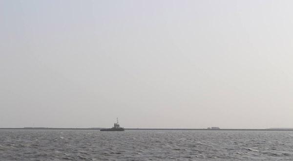غرق سفينة عراقية بعد حادث تصادم في المياه الإقليمية