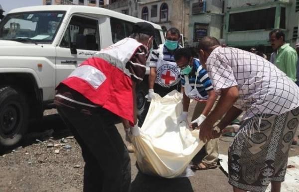 الصليب الأحمر الدولي لـ&#34خبر&#34: تمكنا من إخلاء 13 جثة بتعز.. والوضع الصحي فيها مقلق