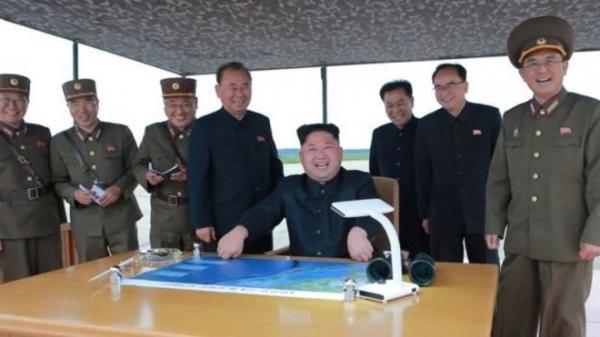 كوريا الشمالية: صاروخ اليابان أول خطوة في عملية عسكرية في المحيط الهادي
