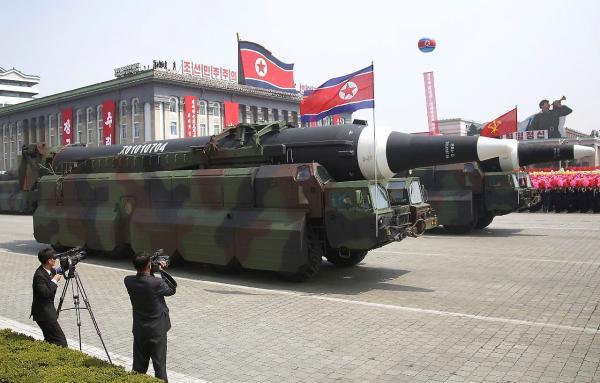 كوريا الشمالية تحذر من &#34مزيد من الهدايا&#34 في الطريق للولايات المتحدة