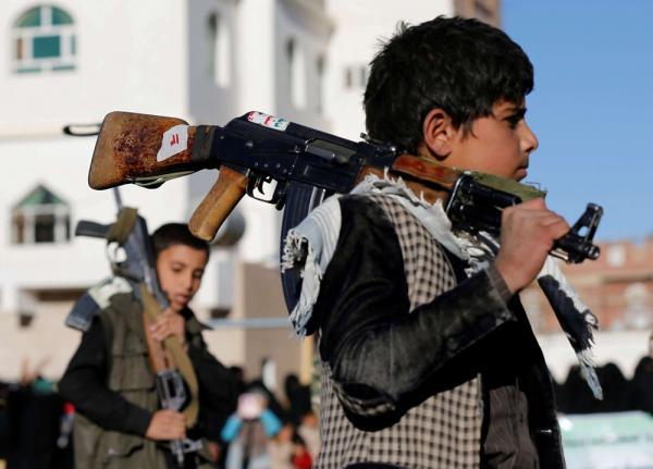 رصد: تجنيد الحوثي أكثر من 18 ألف طفل يمني