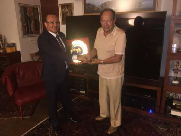 يحيى صالح يستعرض مع الرئيس اللبناني الأسبق إميل لحود مستجدات العدوان على اليمن
