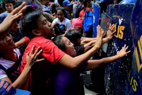 الحرب على المخدرات والتمرد الاسلامي يضاعفان الخطر على اقتصاد الفيليبين