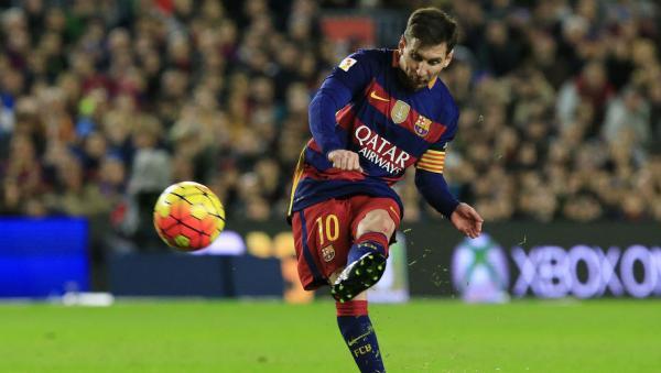 مدرب الارجنتين ينتقد برشلونة لاشراكه ميسي في جميع المباريات